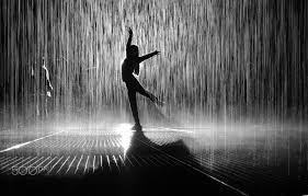 Resultado de imagen de dancing in the rain